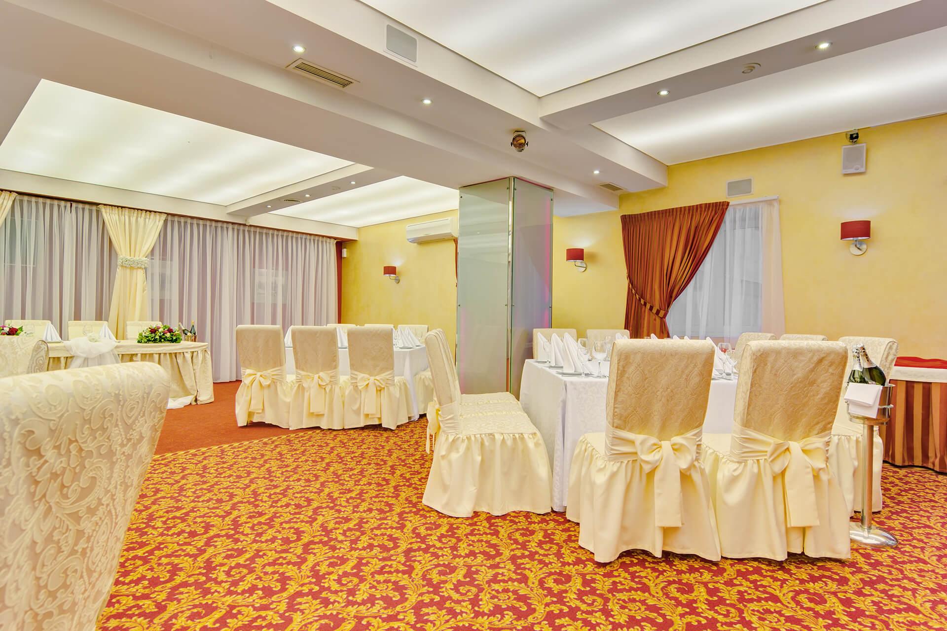 банкетный зал отеля Турист14