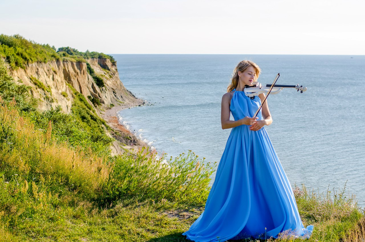 Алена Воробьева Электроскрипка в Калининграде1