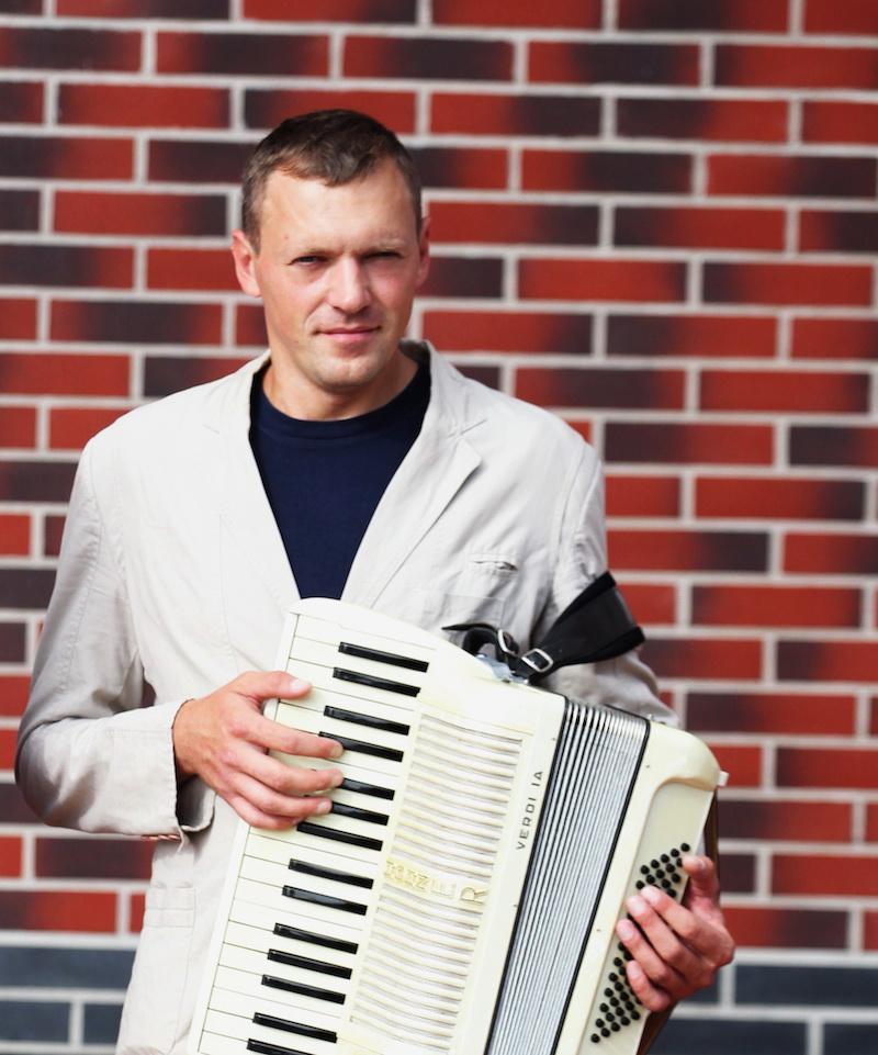 Алексей Згама аккордеонист в Калининграде3