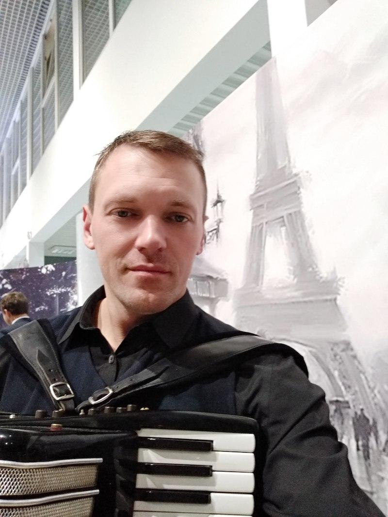 Алексей Згама аккордеонист в Калининграде6